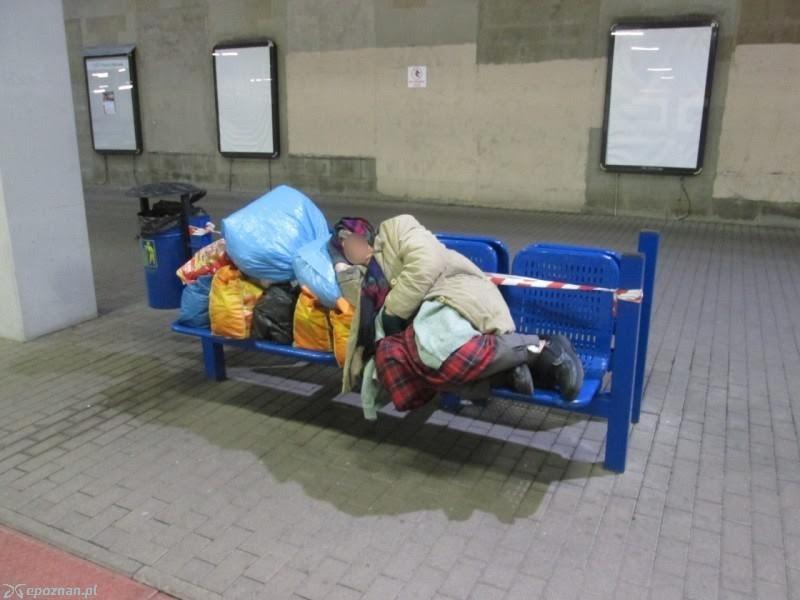 Randki z bezdomną kobietą