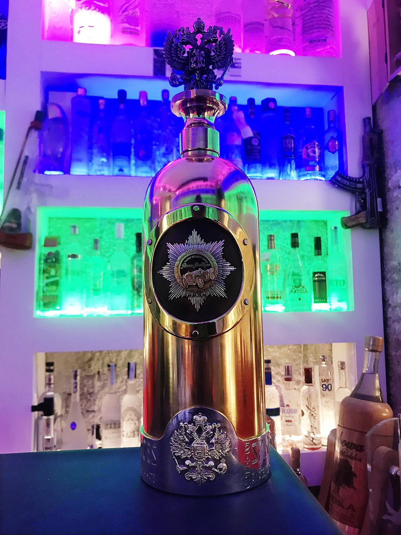 2a369c43a2725f Skradziono najdroższą na świecie butelkę wódki. Jest warta ponad milion euro
