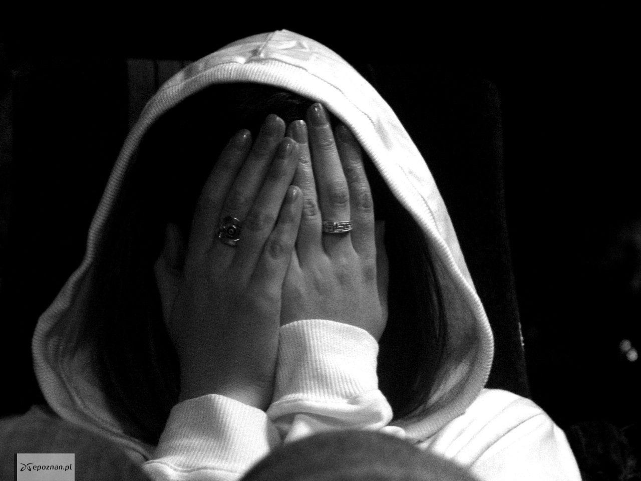 kobieta pobita randki online darmowe serwisy randkowe, które nie kosztują żadnych pieniędzy